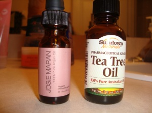 Josie Maran- Argan oil All natural Tea Tree oil