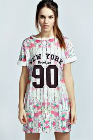 "Boo Hoo- Sophie Floral ""New York 90"" T Shirt Dress $32.00"