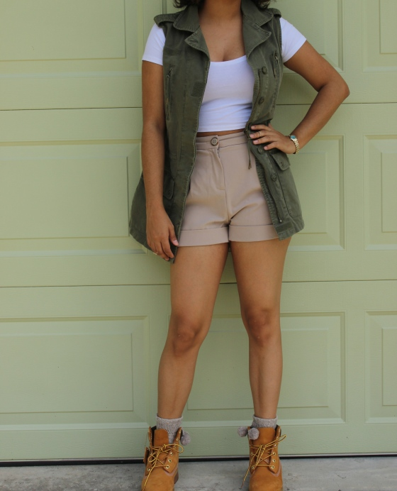 utility, vest, safari, timbs, timberlands, ootd, crop top
