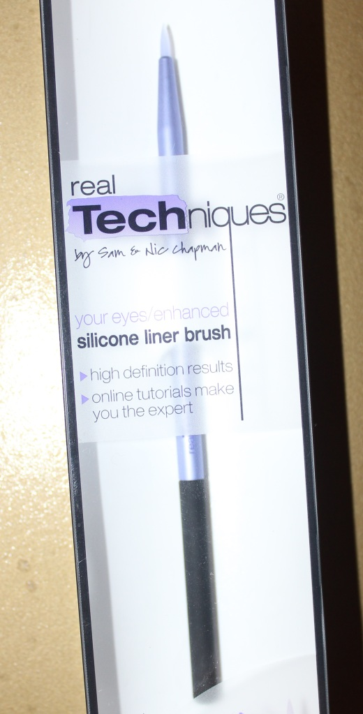 real techniques, sam and nic chapman, silicone liner brush, review, haul, maybelline gel liner
