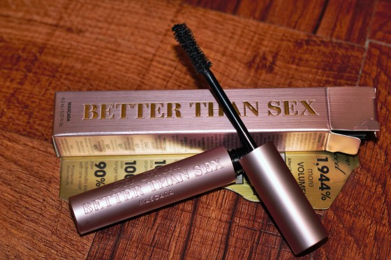 I tried a mini sample of the Too Faced Better than Sex Mascara and I loved it! It gives your lashes such a full volumized look!