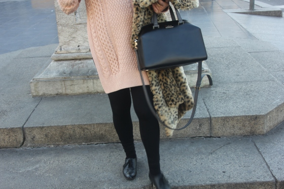leopard missguided coat, barcelona, travel, fashion, ootd, zara, aldo,