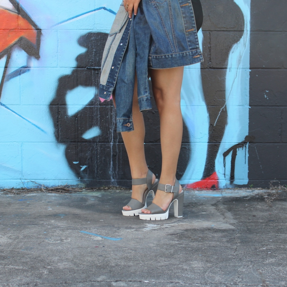 5cf080f9e0 Forever 21 Lug-Sole Platform Sandals · Round Sunglasses XOXO, ARI